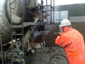 Tank-Vessel-Cleaning-Concrete-Mixer-Clean-Hand-Held-Lance.jpg