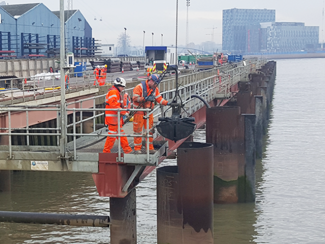 5093-GPS-Marine-Canary-Wharf-Underwater-Pile-Cutting-AWJCC-Piles-1200-Dia-Cut-4.5m-Below-Bed-London-12.png