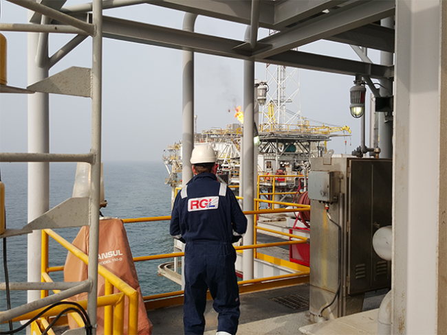 Offshore-RGL-Staff-Marine-Pile-Cutting-Underwater-2.png