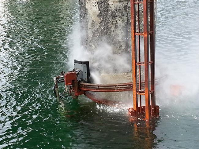 Remote-controlled-underwater-robotic-concrete-hydrodemolition-of-bridge-pile.png